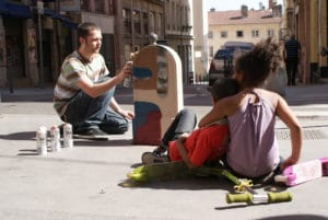 Street art à Lyon : Graffiti, stickers et bizarreries