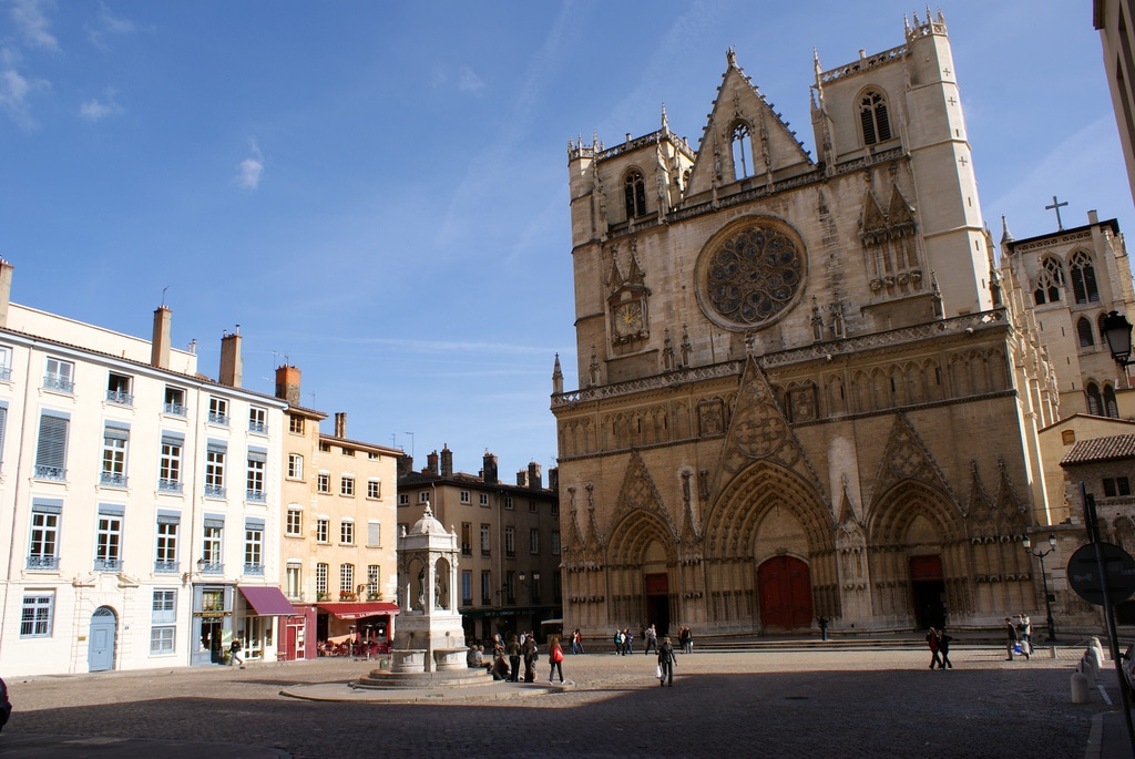 Cathédrale Saint Jean à Lyon : Horloge astronomique et superbe rosace [Vieux Lyon]