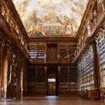 Monastère de Strahov : LA Vue de Prague, cabinet de curiosités et bibliothèques [Hradcany]