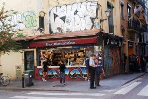 Bar Mendizabal, Snack populaire et terrasse à Barcelone [Raval]