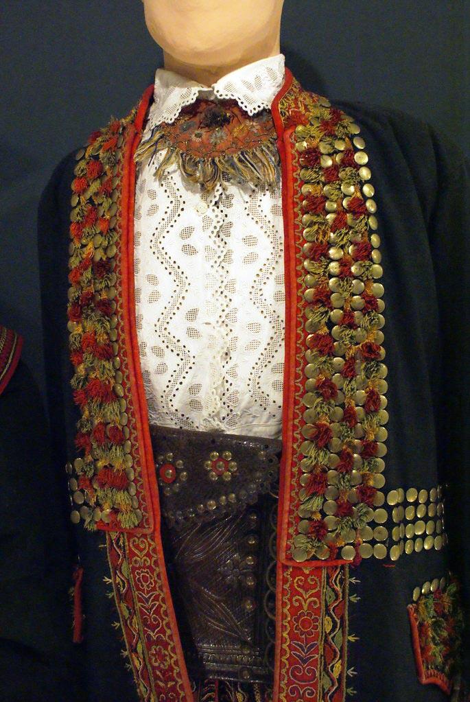 Autre chef d'oeuvre de confection au musée ethnographique de Cracovie.