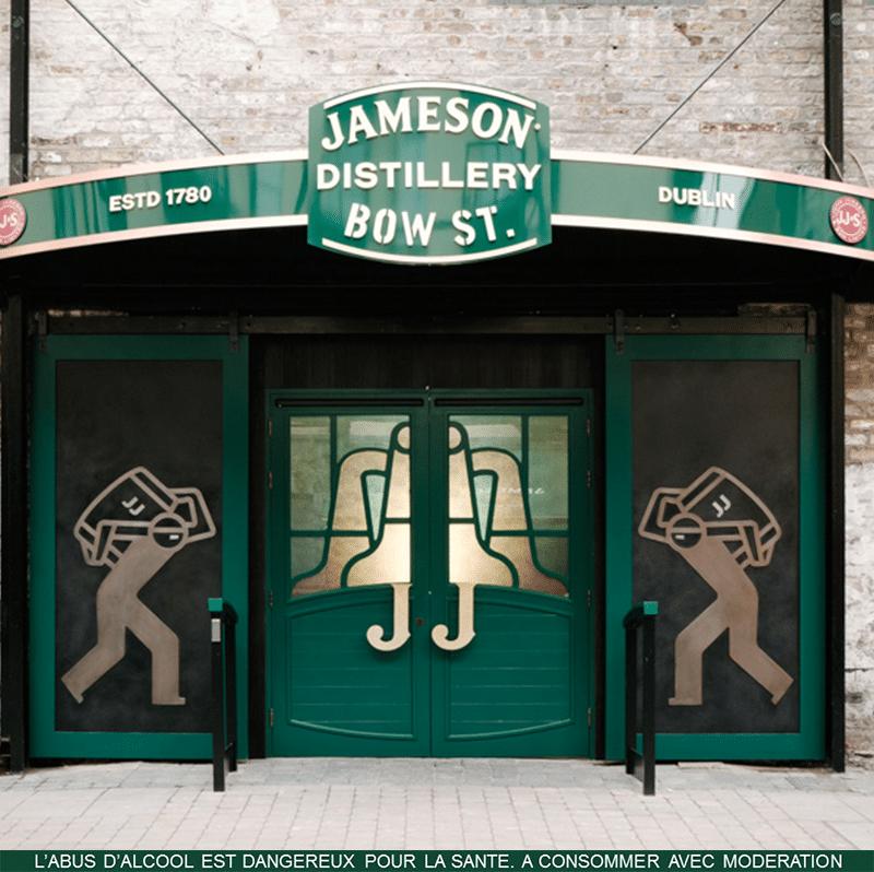 Entrée de la distillerie Jameson Distillery Bow St à Dublin.