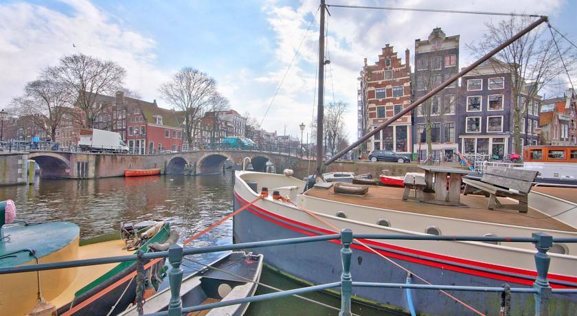 Bateau Hotel à Amsterdam : 5 lieux originaux et flottant où séjourner