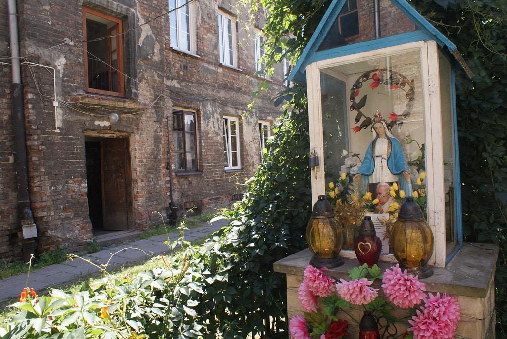 Folklore local : Chapelles de Varsovie, à Praga et ailleurs