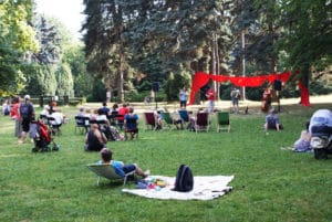Parc Skaryszewski à Varsovie : Oasis de verdure et sculptures [Praga]