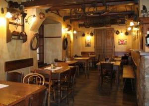 Mlejnice à Prague, restaurant traditionnel et rustique [Stare Mesto]