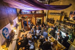 Szimpla Kávézó, café intimiste à Budapest [Erzsébetváros]