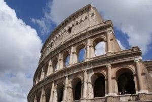 Colisée à Rome : Amphitéâtre emblématique de l'antiquité romaine