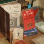 4 lieux à Cecil court : Antiquités, fanzines punk et cartes anciennes à Londres