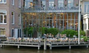Café de Jaren : Un café «blanc» sur l'eau à Amsterdam [Vieille Ville]