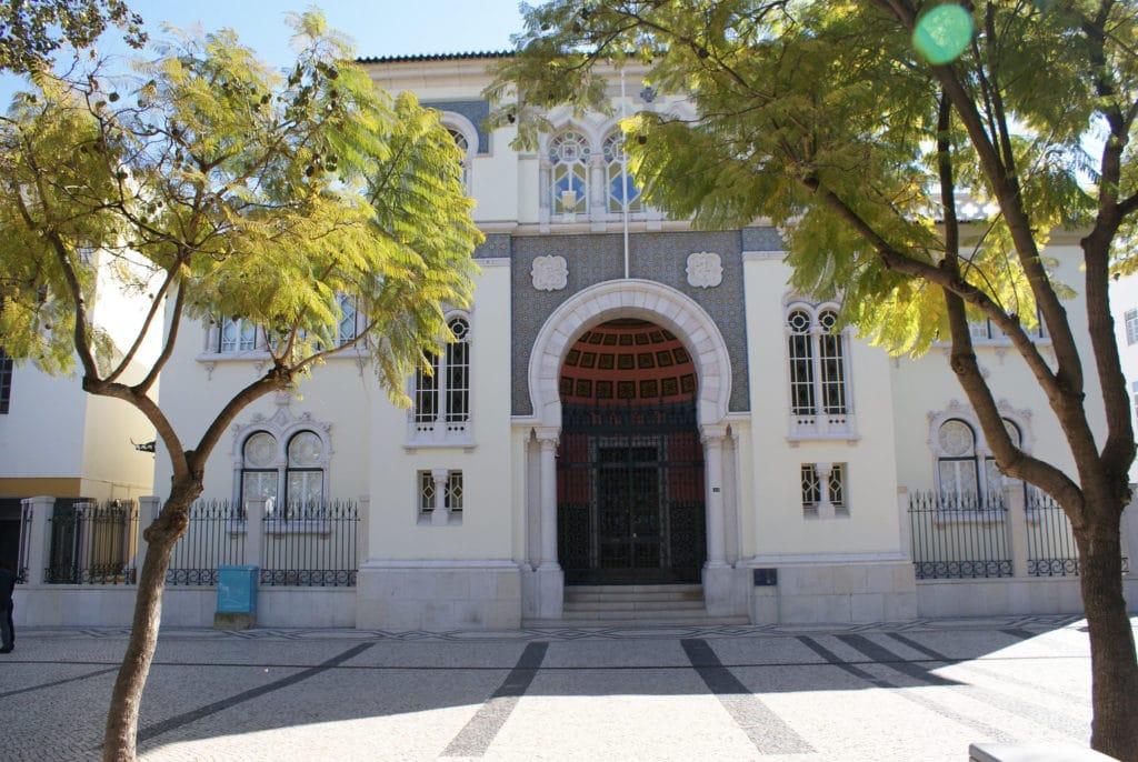 Architecture néo-mauresque à Faro.