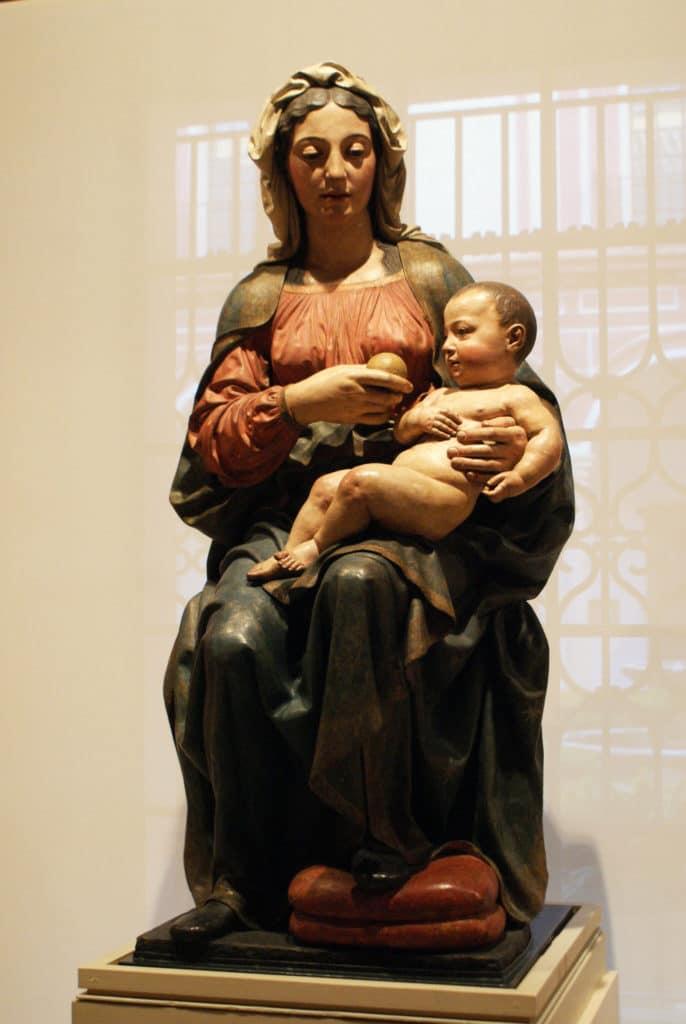 """""""Vierge de Belen"""" (1525) Sculpture de Pietro Torrigiano au Musée des Beaux Arts de Séville."""