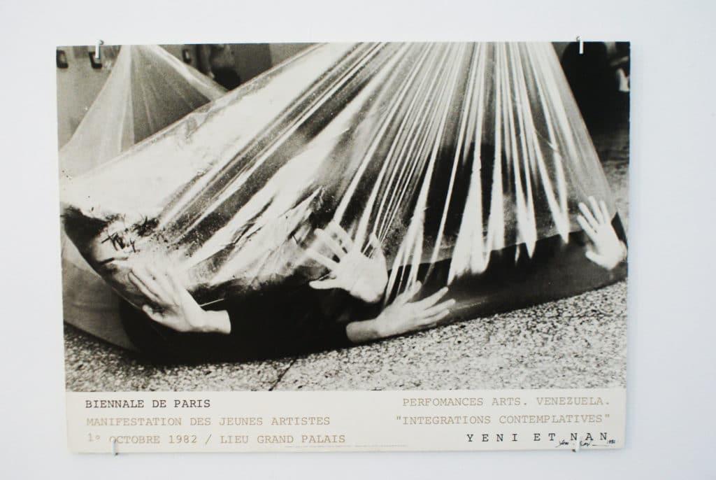 > Performance de Yeni et Nan au CAAC, musée d'art contemporain à Séville.