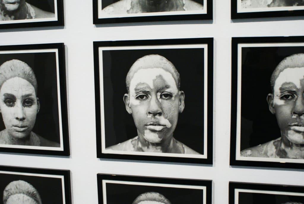 Portraits de Yeni et Nan au CAAC, musée d'art contemporain à Séville.
