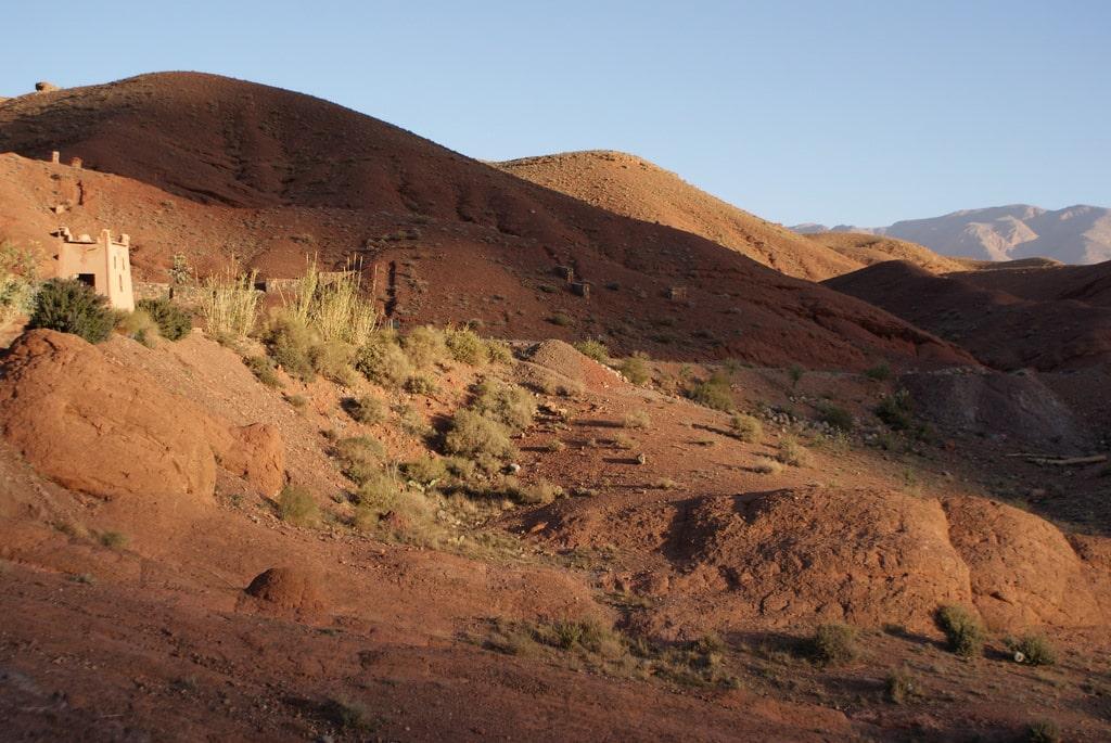 Superbes gorges de Dades et plantations de Tinghir au Maroc
