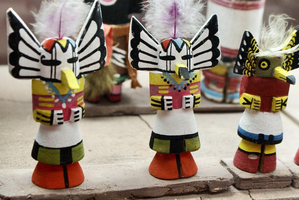 Statuettes Hopi dans le musée d'ethnologie du Chateau Albertis à Gènes.