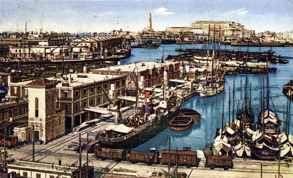 L'incontournable port de Gênes et sa lanterne emblématique