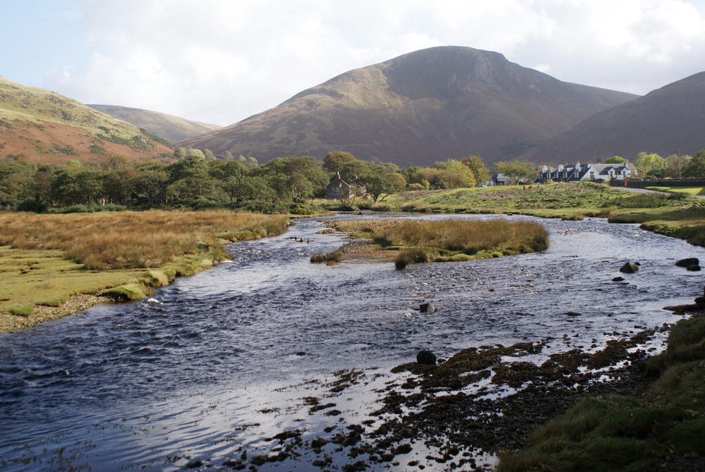 Loch Ranza au nord de l'île d'Arran en Ecosse.