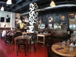 Jelen bisztro, bar jazzy et restaurant à Budapest