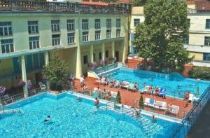 Bains Lukacs à Budapest : Plus familial et confidentiel [Buda]