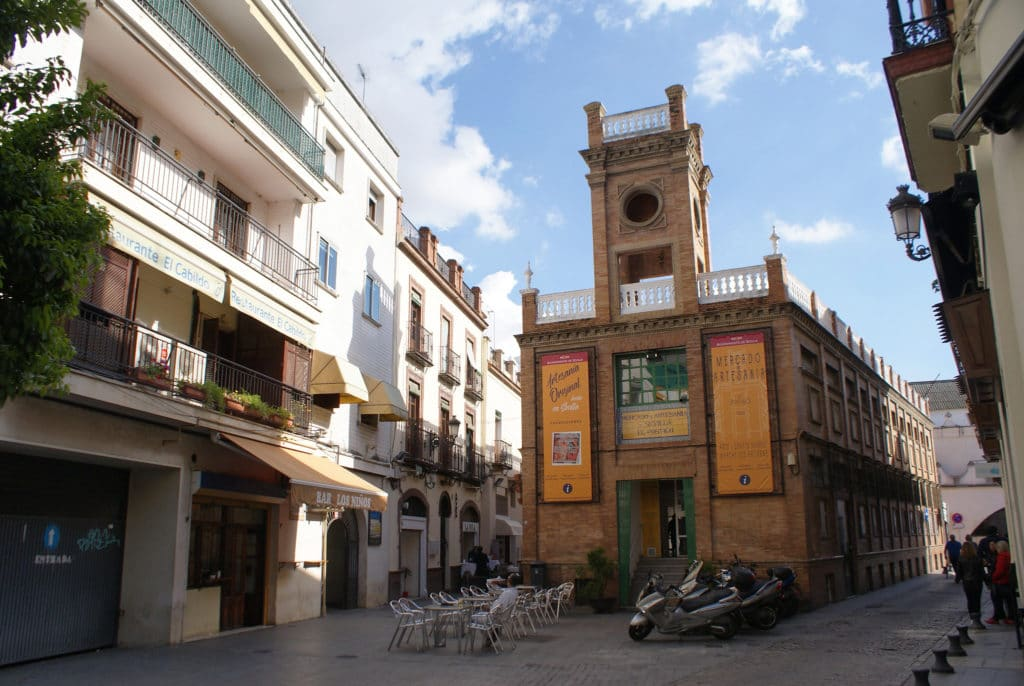 Marché de l'artisanat dans le quartier de l'Arenal à Séville.