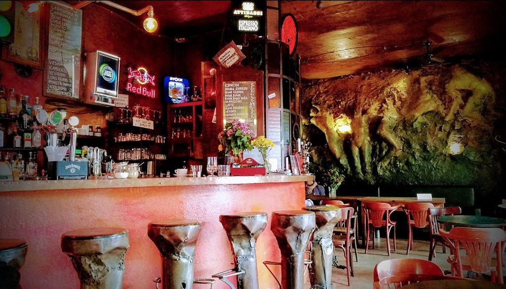 Mechanoff, bar indus et ethnique à Cracovie [Kazimierz]