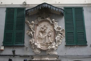 Madones, anges et sculptures de rue à Gênes