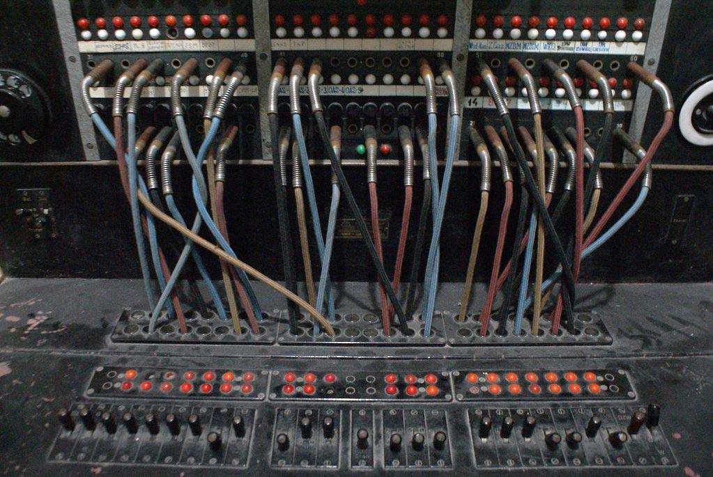 Centrale de communication dans le bunker dans les souterrains du musée de Nowa Huta à Cracovie.