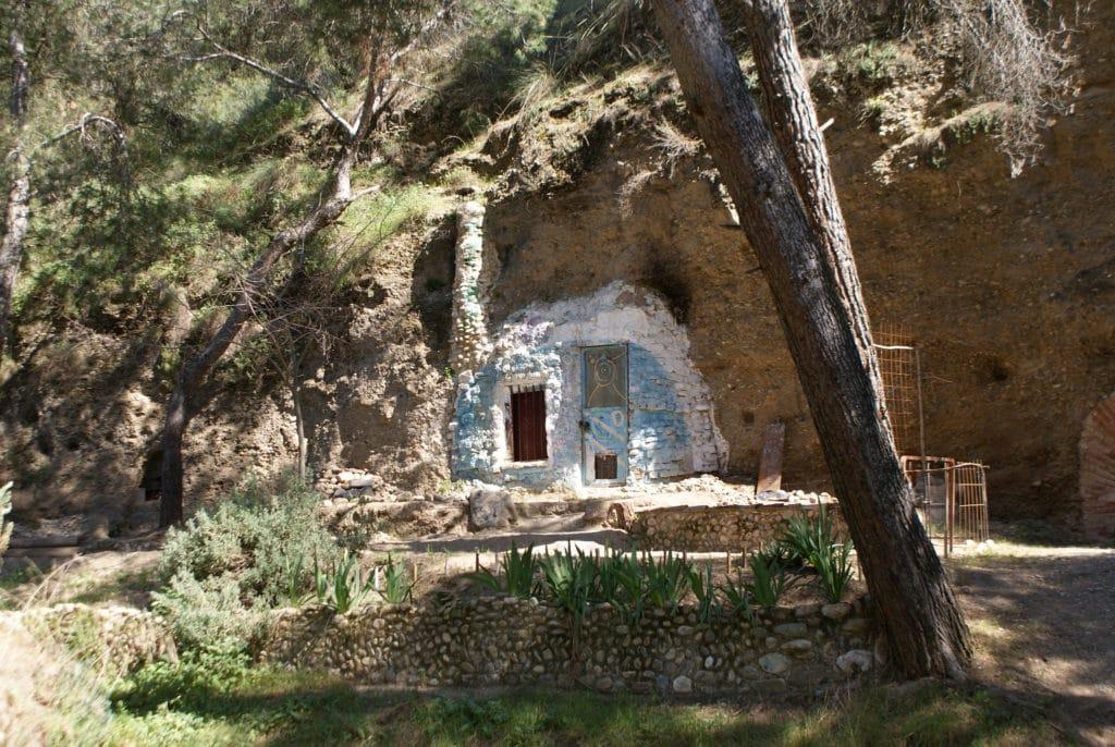 Maison troglodyte dans le quartier de Sacromonte à Grenade.