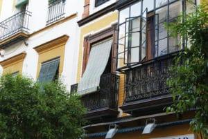 Rejoindre Séville depuis l'aéroport : Bus, taxi ou voiture de location