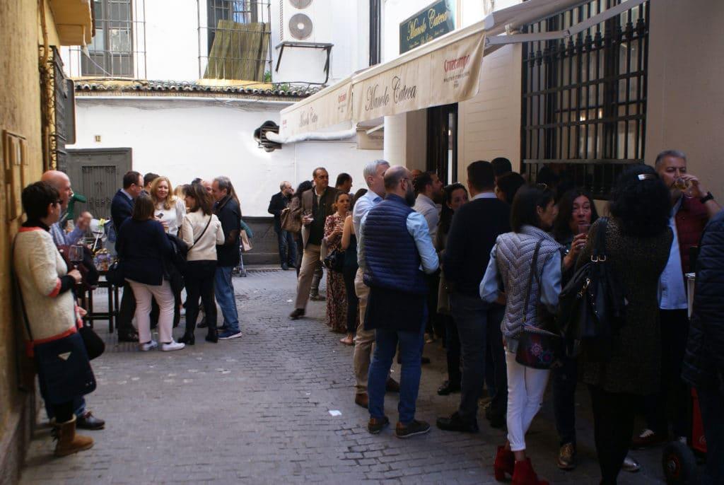 Apéro et tapas dans la Vieille Ville de Séville.