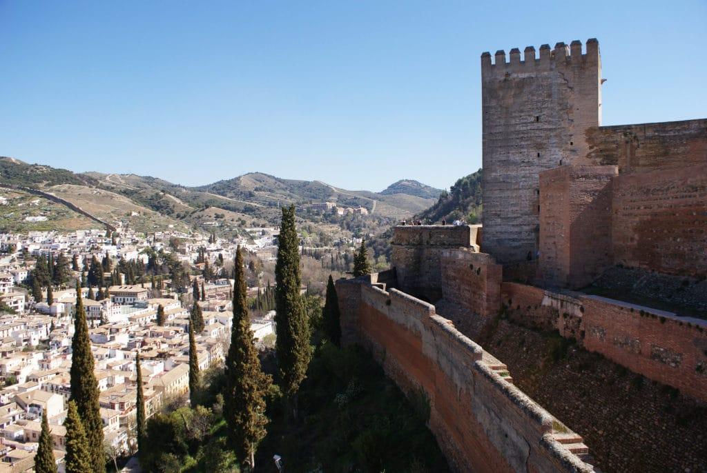Fortifications de l'Alcazaba àAlhambra de Grenade.