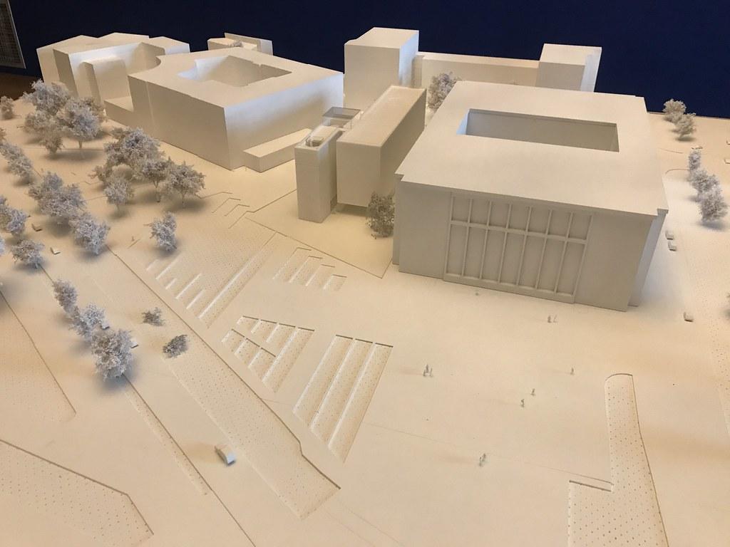 Projet choisi pour le musée Wyspianski à Cracovie à gauche de l'imposant bâtiment principal du Musée National.