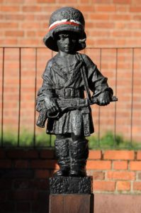 Petit Insurgé de Varsovie en l'honneur d'Antek et des autres [Vieille Ville]