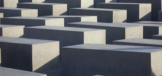 640px-Holocaust_monument_Berlijn.jpg