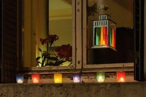 8 décembre à Lyon : De la vierge Marie à Gérard Collomb