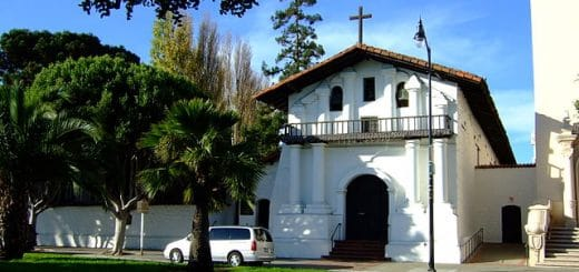 640px-Mission_Dolores_old_Chapel.jpg