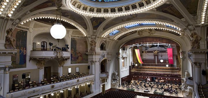 640px-Smetana_Hall_at_the_Municipal_House_28Obecni_Dum292C_Prague_-_9006.jpg