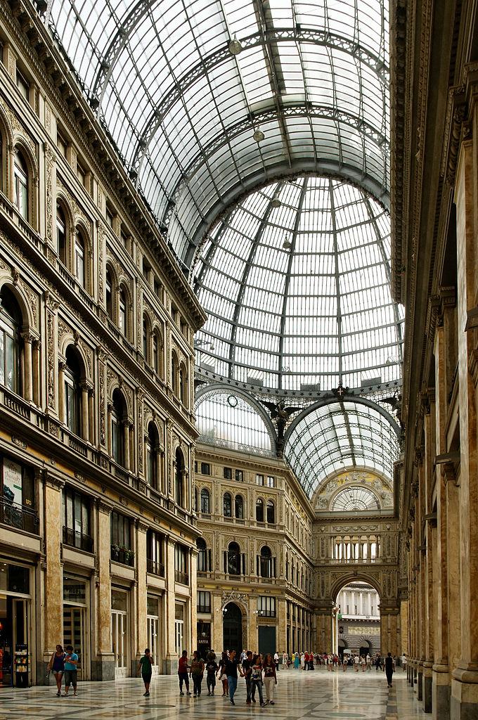 Galeries marchandes à Naples : Galleria Umberto I et galleria Principe
