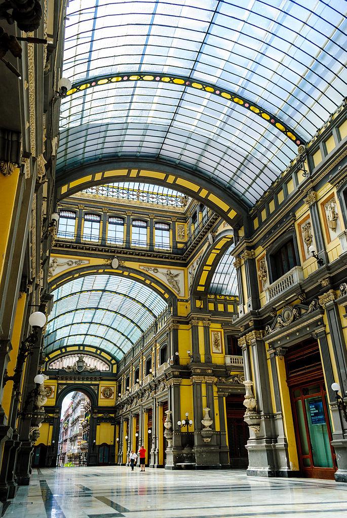 A l'intérieur de la Galerie Principe de Naples - Photo de Sergio Parrella
