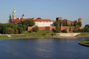 Pentes du chateau de Wawel et rive de la Vistule à Cracovie