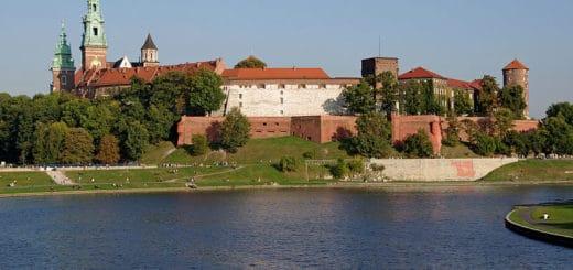 800px-20110930_Krakow_Wawel_0412.jpg