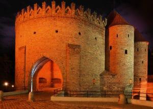 Barbakan et remparts de Varsovie : Les fortifications médiévales [Vieille Ville]