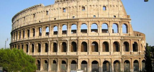 800px-Colosseum_Roma_2009.jpg