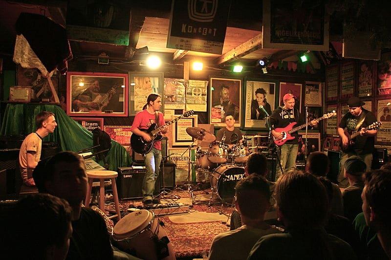 Muzyczna owczarnia, rock, blues à la montagne au sud de Cracovie