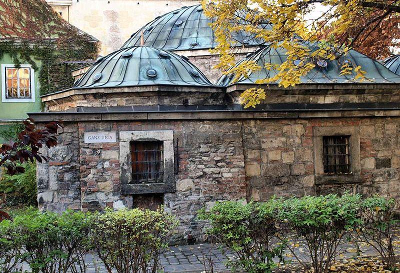L'intimiste bains ottomans Kiraly à Budapest [Buda / Víziváros]