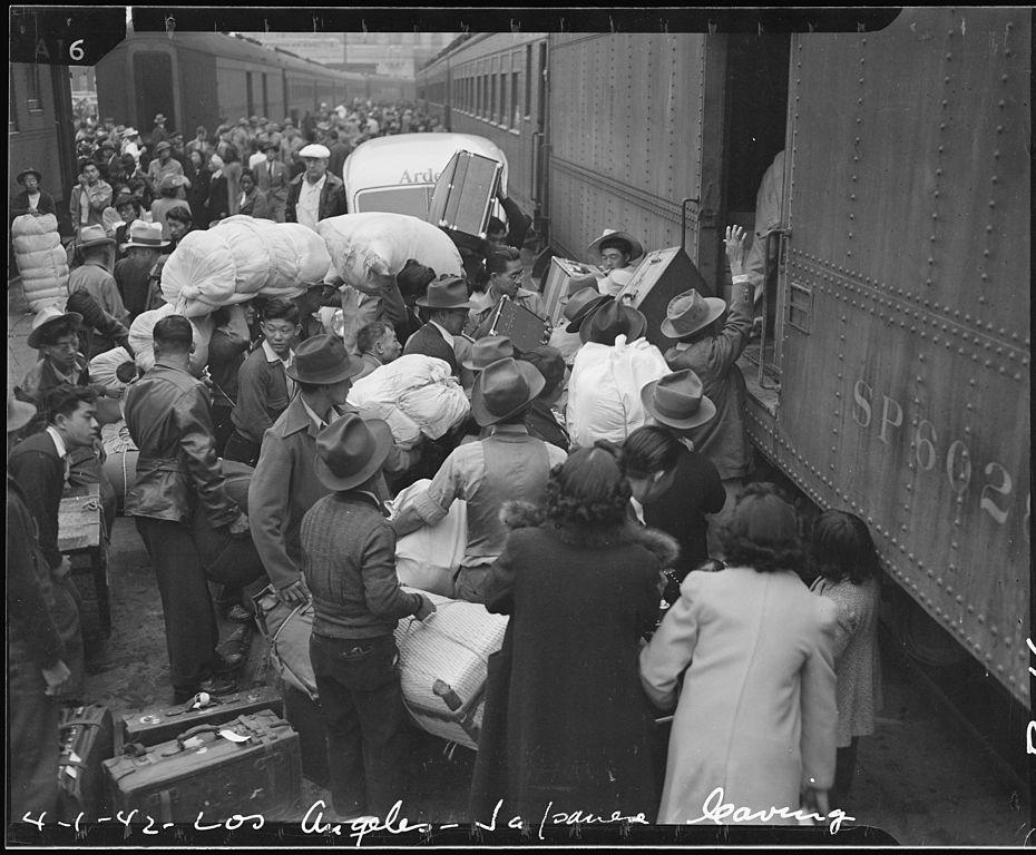 Déportation des Japonais de Los Angeles vers des camps d'internements pendant la seconde guerre mondiale.