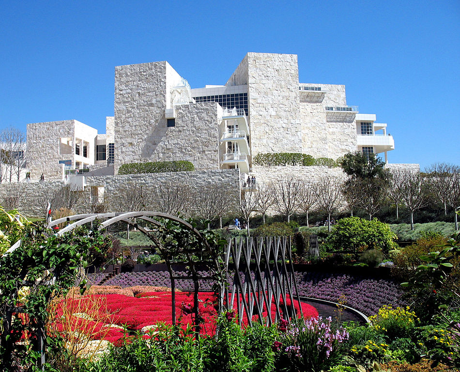Batiment et jardin du musée d'art Getty Center de Los Angeles - Photo de Rennett Stowe