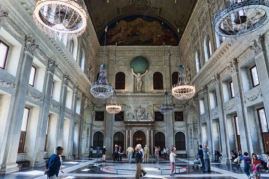 Salle principale et lieu de bal du Palais Royal dans le centre historique d'Amsterdam - Photo de Jean Christophe Benoist
