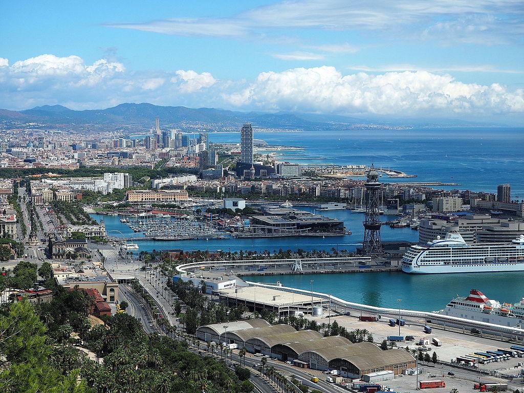Vue sur la Marina et l'ancien port de Barcelone depuis la colline de Montjuic - Photo de Terea Grau Ros